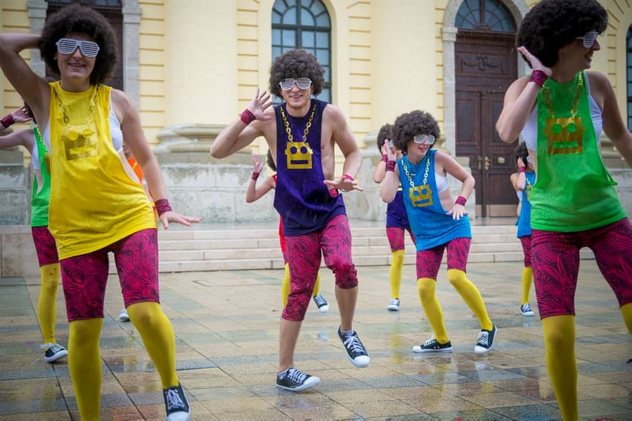 hip hop tánciskola debrecen rnb dance team 11 viragkarneval