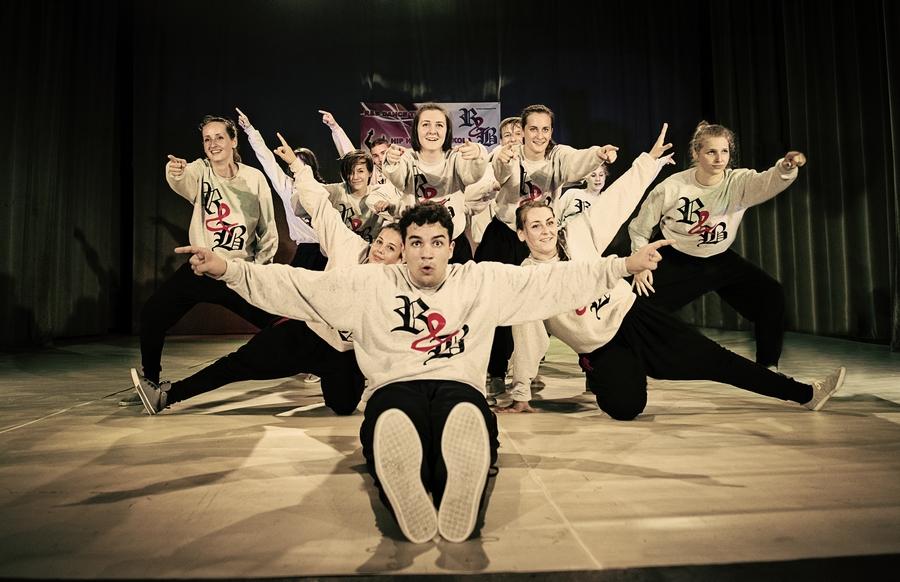 hip hop tánciskola debrecen rnb dance team R&B